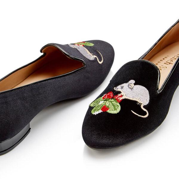 Image 2 for Hefner Black Velvet Mouse Strawberries Embroidery (HFF224)