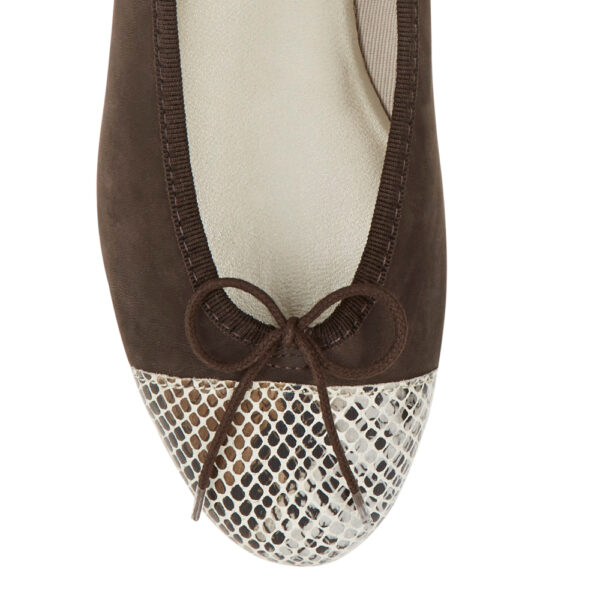 Image 2 for Simple Brown Nubuck   Snake Toe (SM596)